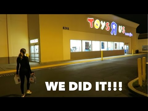 OVERNIGHT CHALLENGE AT TOYS R US!!! (RELATIONSHIP GOALS)