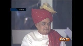 Venkaiah Naidu and other leaders visit AIIMS to inquire about Vajpayee