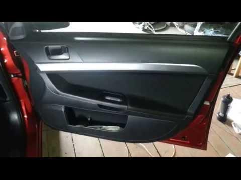 Как снять обшивку двери лансер 10