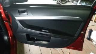 Снятие обшивки двери  Mitsubishi Lancer X