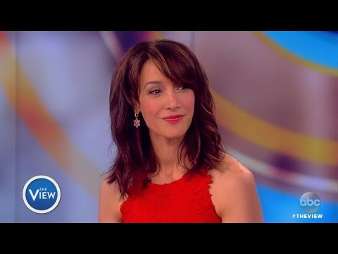 Jennifer Beals : The View March 3, 2017