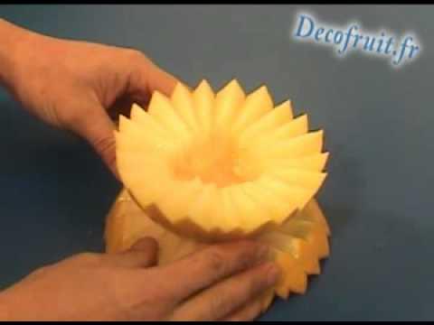 D coupe d 39 un melon 2 youtube for Decoupe fruit decoration