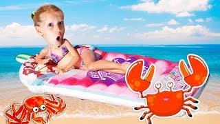 ЦЕЛЫЙ ДЕНЬ НА ПЛЯЖЕ!!! купаемся вместе с КИКИДО! как ДАНЮ катали на КАЯКЕ? КОГО споймала МИЛАНА??