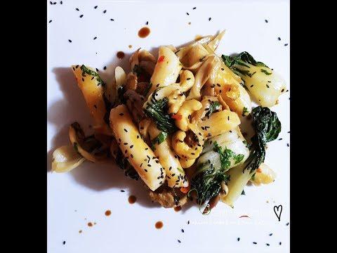 ASIAN INSPIRED CASHEW CHICKON RICE CAKE VEGAN STIRFRY | Connie's RAWsome kitchen- ASMR