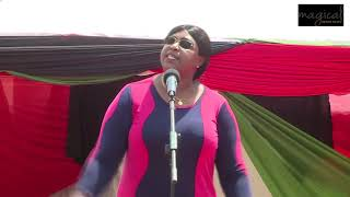 IS RUTO GOD?SHOCK AS AISHA JUMWA SINGS HAKUNA WAKUFANANA NA RUTO!