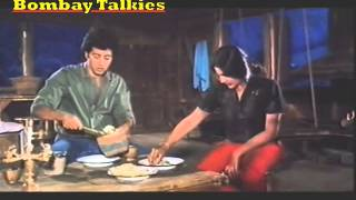 Video Sunny kidnaps Roma-Betaab (1983) download MP3, 3GP, MP4, WEBM, AVI, FLV Mei 2018