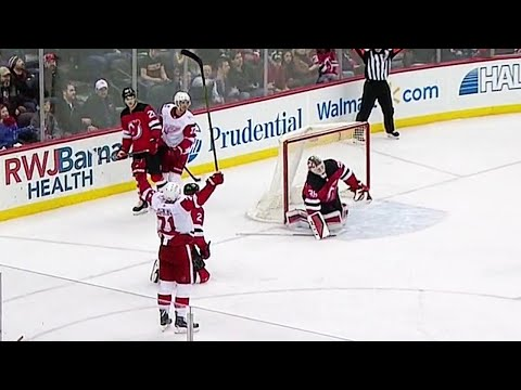 Dylan Larkin goes top corner to extend the Red Wings' lead on Devils