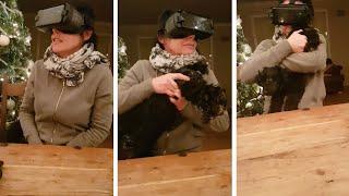ママンが初めてのバーチャルリアリティ(VR)体験。その臨場感に驚き愛犬をギュっと抱きしめるも、ちがうそれ頭じゃない!