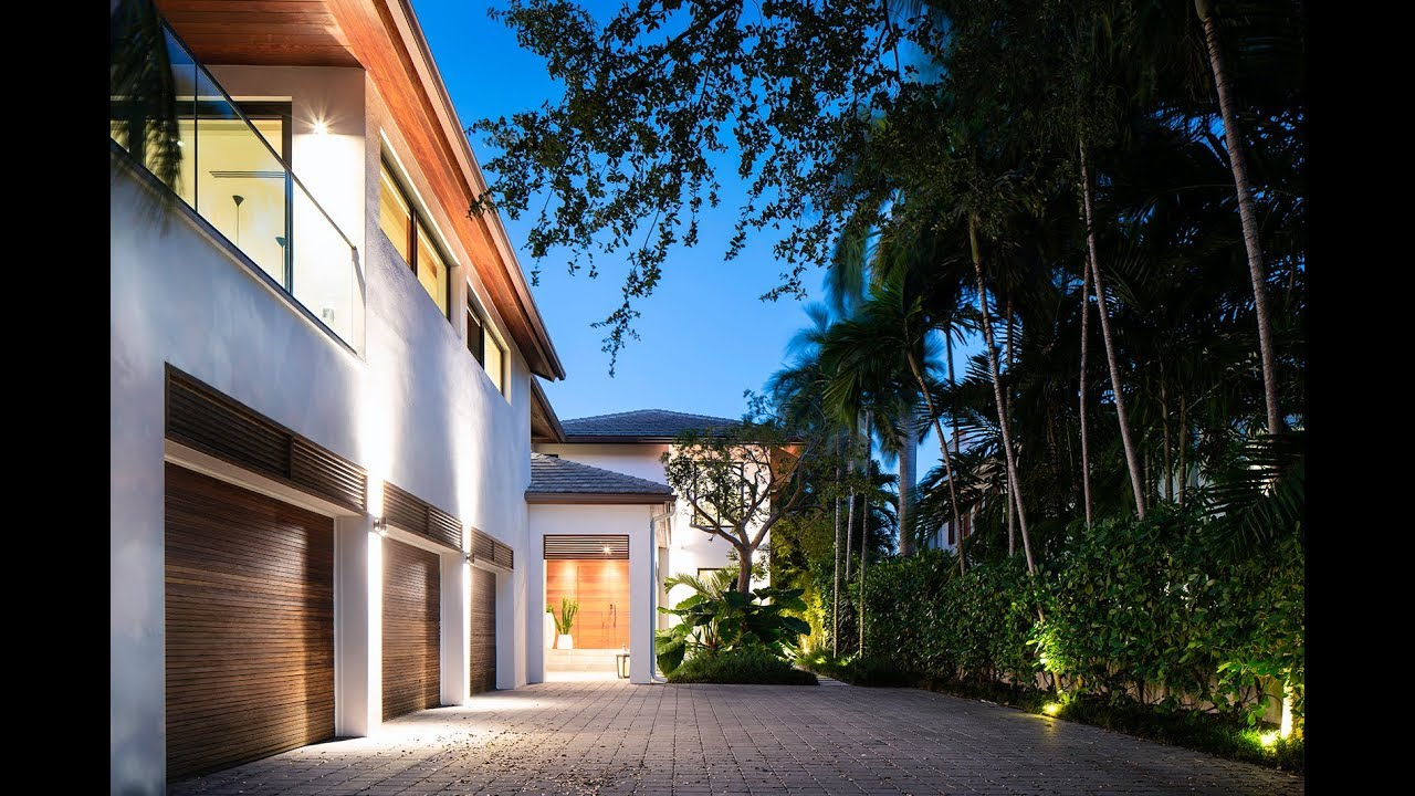 Modern Tropical Design Waterfront Home Lifestyle Production Group Youtube