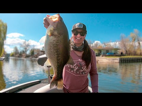 girl-fishing:-spring-jerkbait-and-swimbait-fishing-for-bass!