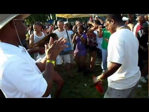The chosen few reunion picnic (Jackson Park, Chicago), lady in white killing it!