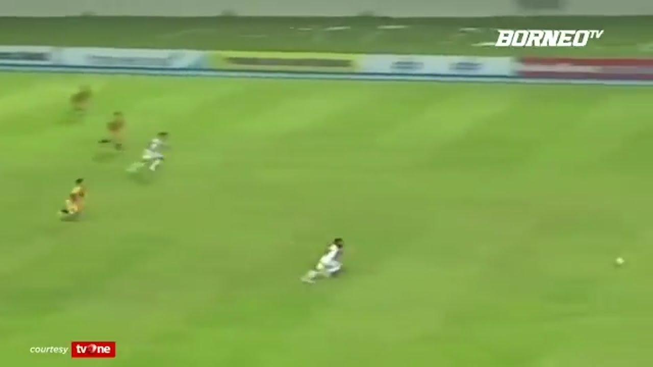 Terens Puhiri: a contender for world's fastest footballer? – video