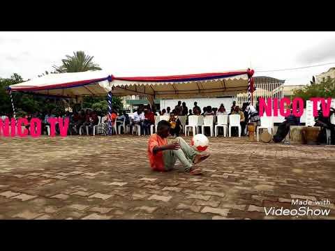 Mtoto mwenye maajabu afanya watu kushangaa  kinachoendelea