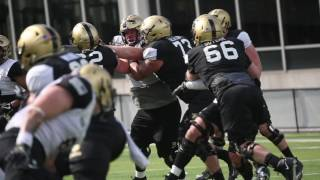 Take a look at the army linebackers practice.