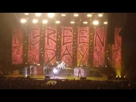 Green Day - Johnny B. Goode (Tribute to Chuck Berry) - Hamilton, ON - 3/20/17
