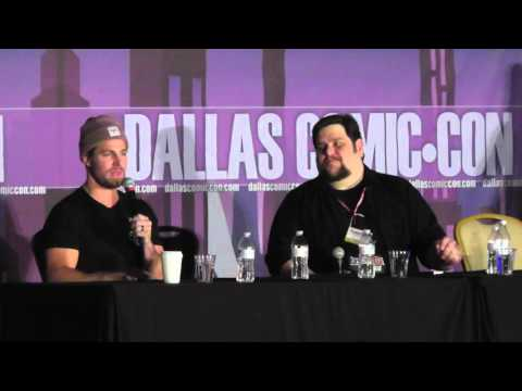 Dallas Comic Con - FanDays Feb 2016 - Arrow / WWE - Stephen Amell / Featuring WWE's Stardust