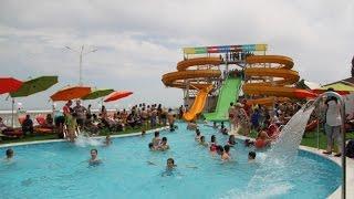 Первый аквапарк открылся в Дербенте(«AguaLand» - так называется современный водный комплекс, расположенный на берегу Каспийского моря под открытым..., 2016-06-23T14:47:24.000Z)