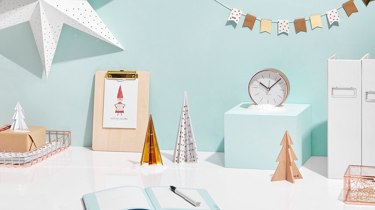 How To Decorate Your Desk For Christmas