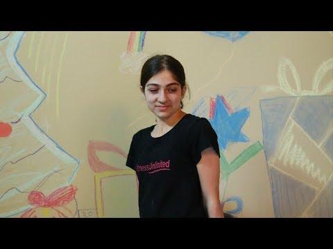 Heghineh Family Vlog #62 - Պատի Տոնածառ - Heghineh Cooking Show in Armenian