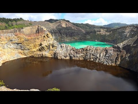 Tri-colored Crater Lakes of Mt. Kelimutu, Indonesia in 4K (Ultra HD)
