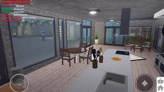 SHOWING MY HOUSE IN BLOXBURG ROBLOX!!