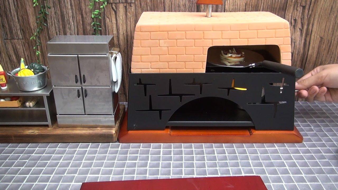 mini food pizza miniature pizza baking in a miniature stove youtube. Black Bedroom Furniture Sets. Home Design Ideas