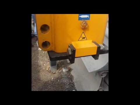 Electro-Qatar Crash Barrier Installing