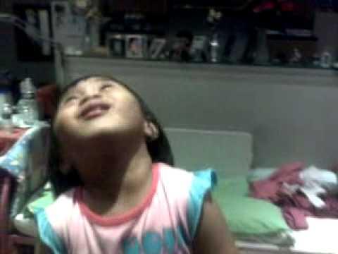 """Amber singing """"Magbigay tayo sa Panginoon"""""""