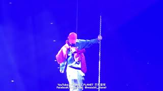 Superstar by g-dragon in act iii :m.o.t.t.e world tour 2017(melbourne) will upload some moment of the concert soon ! subscribe us now :d facebook : https://m...