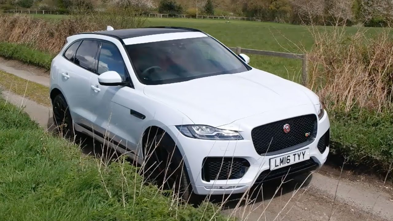 2017 Jaguar F-Pace 35t R-Sport - Start Up, Road Test & In Depth .