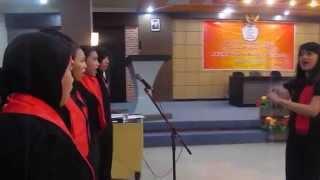 Syukur - Vox Magistra - Wisuda Aksmi Kusuma Bangsa Surakarta 2014