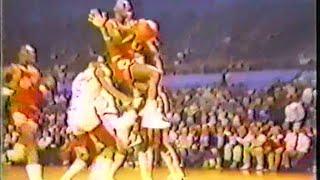 Michael Jordan (20pts/5asts) vs. Clippers (1984)