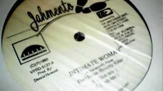 Play Intimate Woman (Feat. Red Rose)
