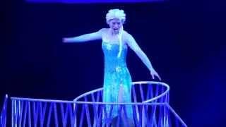 "FROZEN Disney on Ice ""Let It Go"" Ice Skating Elsa"