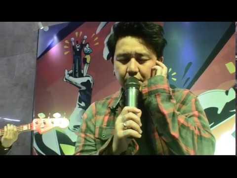 Pee Wee Gaskins - Satir Sarkas Accoustic Live at Gedung Telkom Bandung