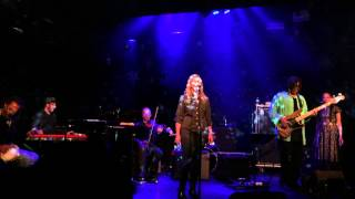 Joan Osborne singing Everybody wants to be a star