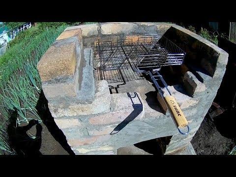 Простой мангал из кирпича своими руками. A simple grill made of bricks with his hands.