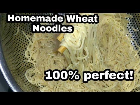 இம்பூட்டு நாள் வேஸ்ட்டா போச்சே!!! / Homemade wheat noodles