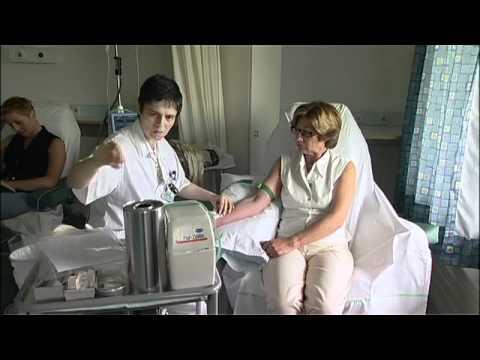 centre du cancer les traitements contre le cancer mov youtube. Black Bedroom Furniture Sets. Home Design Ideas