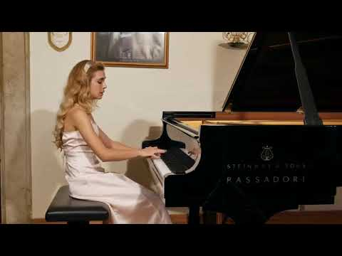 J. Haydn Piano Sonata in F Major  Hob  XVI 23 I e II Tempo - Giulia Rossini