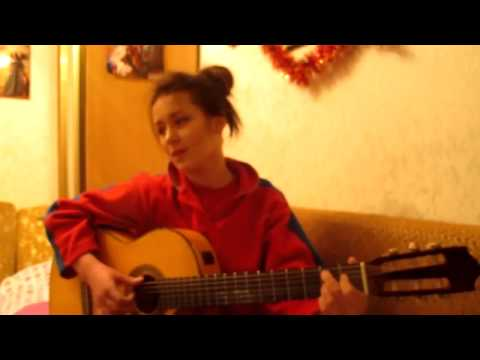 девушка исполнила очень красивую песню на гитаре