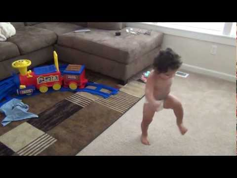 Toddler Dancing to Gangnam Style