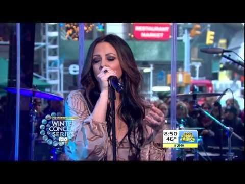 "Sara Evans sings ""Slow Me Down"" on Good Morning America"