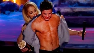 Zac Efron SIN CAMISA MTV Movie Awards 2014- MIREN!