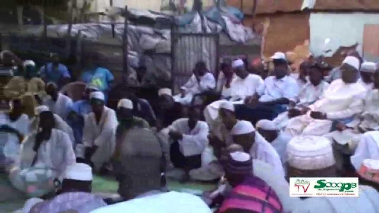 Ziguinchor TV Mamadou Barry fait lire le Coran pour remercier Macky Sall et son PM à Ziguinchor ce 1