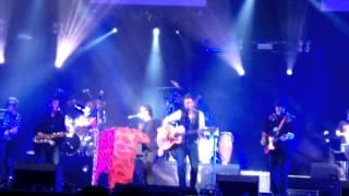 Burning y Alvaro Urquijo-Como un Huracán   4 décadas de rock and roll   09 05 15
