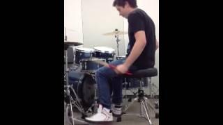 Video Drum off. Nick vs. Damon. Who won? download MP3, 3GP, MP4, WEBM, AVI, FLV April 2018