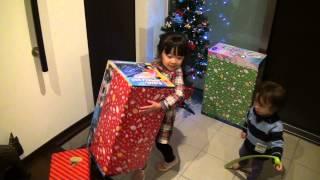 4歳児 サンタさんからのクリスマスプレゼント christmas present from santa