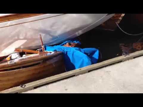 Arkiv: Her knuser seilbåten sjekta