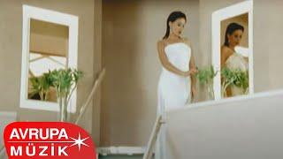Yıldız Tilbe - Değerini Bilmek Gerekir Aşkın (Official Video)